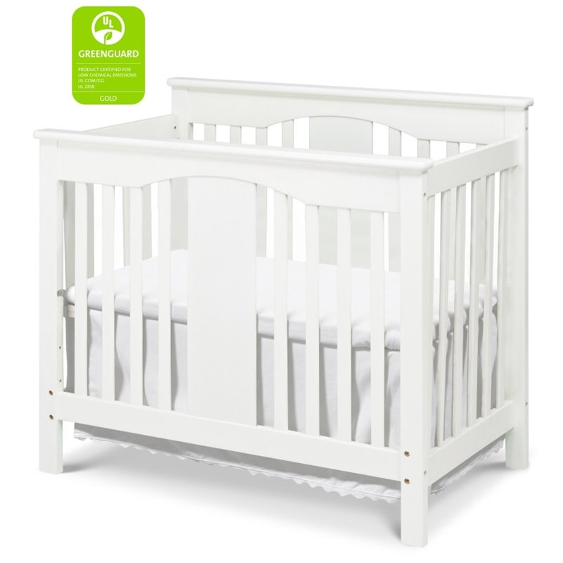 DaVinci Annabelle Mini 2-in-1 Convertible Wood Baby Crib in White