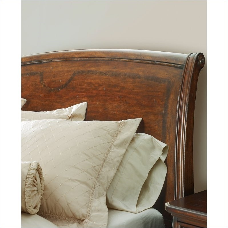 Stanley Furniture Continental Queen Sleigh Bed in Barrel