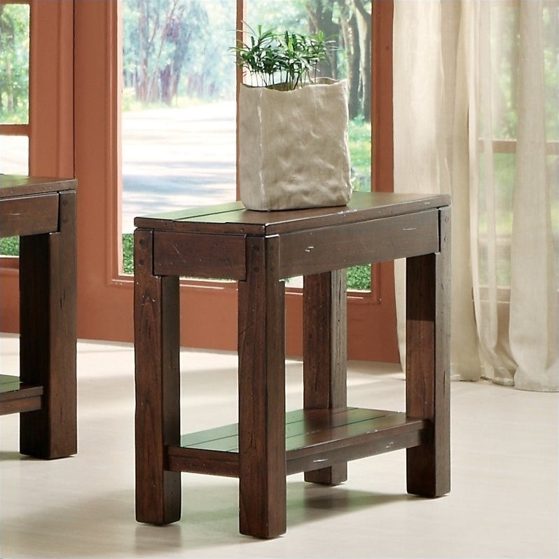 Riverside Furniture Castlewood Chairside Table in Warm Tobacco