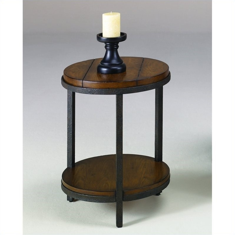 Hammary Baja Round End Table in Vintage Umber