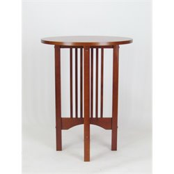 Wayborn Oak Round End Table in Brown