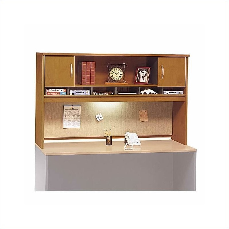 Bush BBF Series C Standard Desk Suite with Hutch in Natural Cherry