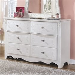 Signature Design by Ashley Furniture Exquisite 6-Drawer Dresser in White