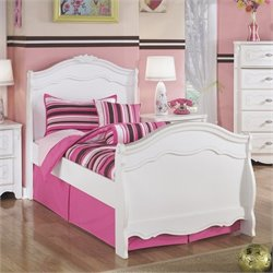 Signature Design by Ashley Furniture Exquisite Sleigh Bed in White