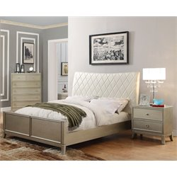 Landermark 3 Piece Bedroom Set in Silver Gray