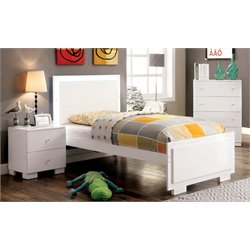 Hallowell 3 Piece Bedroom Set in White