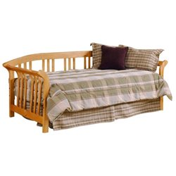 Bowery Hill Daybed in Country Pine