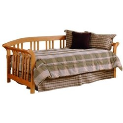 MER-1184 Daybed in Pine