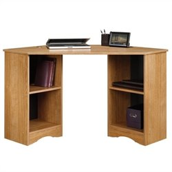 Corner Desk in Highland Oak