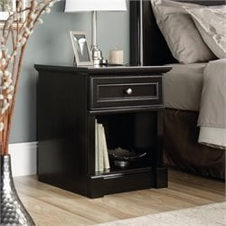 Nightstand in Wind Oak