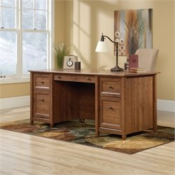 Executive Desk in Auburn Cherry