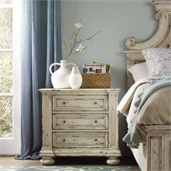 Hooker Sanctuary 3 Drawer Nightstand in Chalky White
