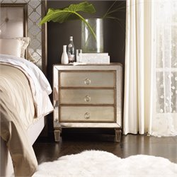 Hooker Sanctuary 3 Drawer Nightstand