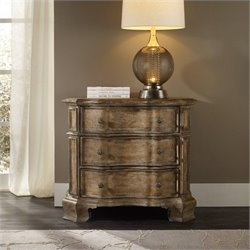 Hooker Furniture Solana 3-Drawer Bachelor's Chest in Light Oak