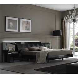 Rossetto Nightfly Platform Bed 3 Piece Bedroom Set in Lacquer Black