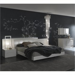 Rossetto Nightfly Platform Bed 4 Piece Bedroom Set in Lacquer White