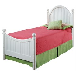 Hillsdale Westfield Full Poster Bed in Off White