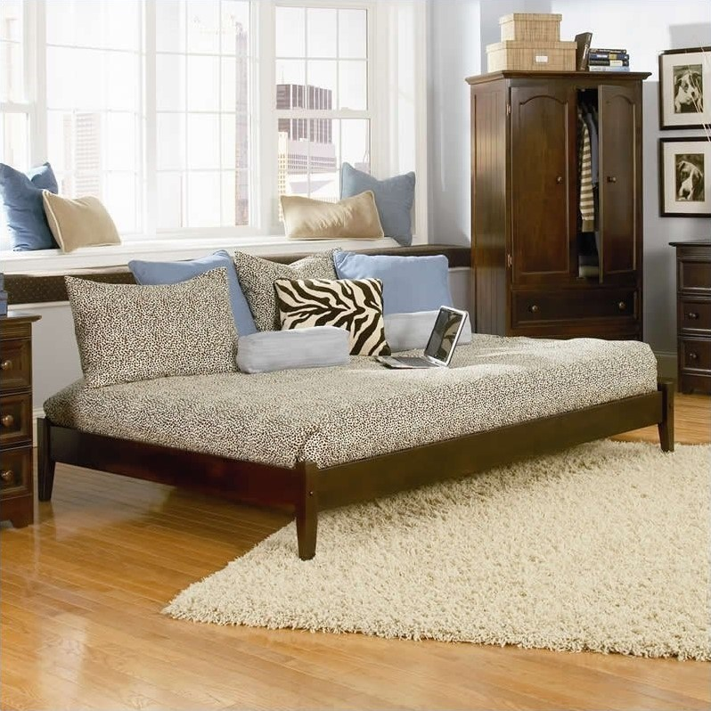Atlantic Furniture Concord Platform Bed With Open Footrail
